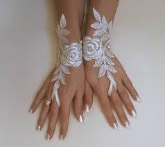 gant mariage gratuit ship gant de mariée ivoire argent brodé par glovesbyjana