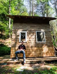 university of michigan student builds lives in tiny house wtop