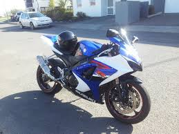 finally traded the cbr 954 for a k7 gsx r 1000 suzuki gsx r