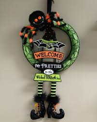 4 diy halloween wreaths using a pool noodle halloween costumes blog