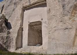 mt rushmore there s a hall of records hidden behind lincoln s head in mount
