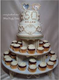 i made this 50th wedding anniversary cake and cupcakes for my