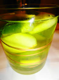 green apple martini recipe st patty u0027s day low calorie cocktail green sangria the lucky penny