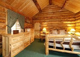 gemütliche schlafzimmer schlafzimmer in blockhaus haus stockfoto 41706627