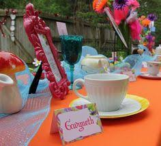 Mad Hatter Tea Party Centerpieces by Budget Vintage Mad Hatter Tea Party Ideas Mad Hatter Tea Tea