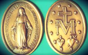 catholic medals 5 reasons i wear a miraculous medal and why you should try it