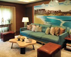 Photos And Maps Behind Sofas Several Interesting Room Set Ups And - Family room decoration