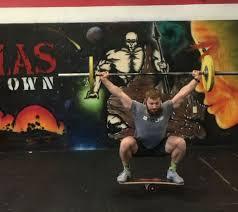 132 pound bodybuilder suzanne davis deadlifts 486 1 pounds for a