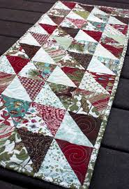 Holiday Table Runners by 528 Best Table Runners Images On Pinterest Quilted Table Runners