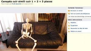 le bon coin canapé cuir le bon coin il utilise un squelette sur une photo pour vendre des