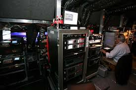 digital photo booth a custom projection booth has 10 digital projectors and is