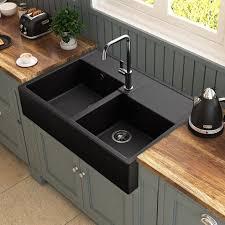 cuisine en bois comptoir de cuisine en bois brun clair moderne réfrigérateur
