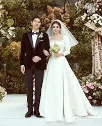 wedding dress sub indo christian shares the of song hye kyo s couture wedding