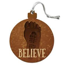 bigfoot sasquatch believe foot print wood tree