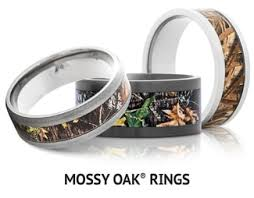 camo wedding rings his and hers outdoor camo rings mens camo wedding bands titanium buzz