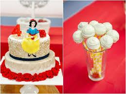 kara u0027s party ideas cake cake pops from a snow white birthday