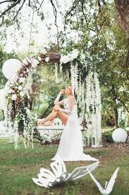 the wedding trend 21 wreaths weddingomania
