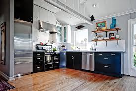 Moya Living - California kitchen cabinets
