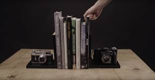 Be Right Back Bookend 9 Last Minute Diy Christmas Gifts For Photographers
