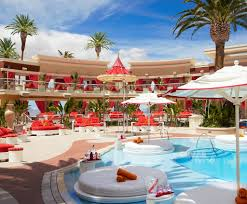 the ultimate guide to bacheloretting in las vegas over the moon photo russell macmasters courtesy of encore beach club
