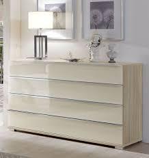 Schlafzimmer Mit Kommode Stilvolle Dekor Kommode In 2 Breiten Mit 4 Schubladen Banga