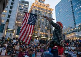 Portland City Flag Photos Peaceful Protest Turns Violent In Downtown Portland Katu