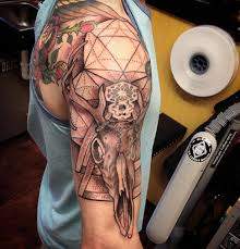 57 attractive hunting shoulder tattoo designs
