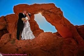 wedding arch las vegas tomsik photography las vegas photographers