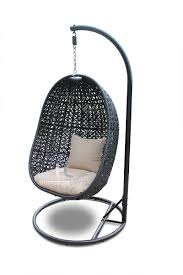 Outdoor Woven Chairs 7 Of The Coolest Outdoor Wicker Hanging Chairs