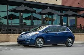 nissan leaf acenta review 2016 nissan leaf ev quick drive review motor trend