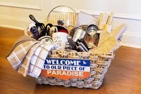wedding gift basket tips on how to create a housewarming wedding gift basket