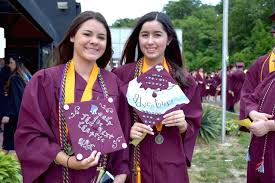 high school graduation caps decorated graduation caps dominate high school and college