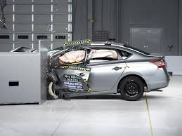 nissan sentra qatar 2015 2013 nissan sentra driver side small overlap iihs crash test youtube