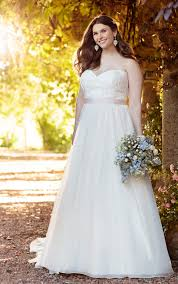 every body every bride featuring plus size wedding dresses