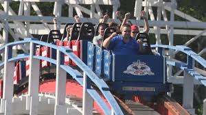 Six Flags Austell Ga Nine People Attempt To Ride Scream Machine For 10 Straight Hours