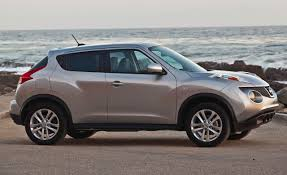nissan juke yellow spoiler 2011 nissan juke engine output fuel economy pricing released