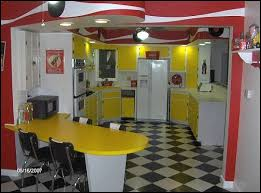 Diner Style Kitchen Table by 50s Diner Theme The Cool Thing Is The Use Of Space For The Bar