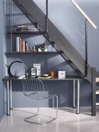 sous bureau un bureau sous l escalier tablette en hêtre lamellé collé pieds en