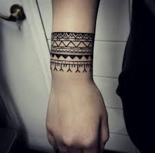 40 beautiful bracelet tattoos for tattooblend