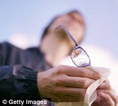 flashing lights in eye stroke seeing squiggles flashing lights the eye danger signs you can t