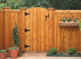 Backyard Fence Styles by Wood Fence Door Design 1000 Images About Backyard Fence Ideas On