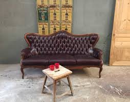 canap chesterfield ancien ancien canapé chesterfield en cuir
