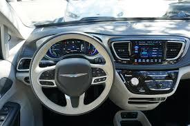 chrysler steering wheel 2017 chrysler pacifica hybrid first drive digital trends