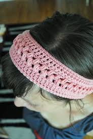 crochet band hooks and heels this seems to be a popular headband look