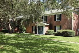 One Bedroom Apartments Tampa Fl by Lakeshore Club Apartments Tampa Fl Apartment Finder