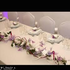 chemin de table mariage décorations chemin de table lilas