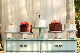 mini wedding cakes hot trend mini wedding cakes bridalguide