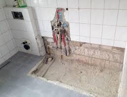 Badezimmer Badewanne Dusche Das Spülrandlose Wc Im Bad