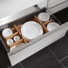 comment ranger la vaisselle dans la cuisine 4 astuces rangement cuisine qui changent la vie comment ranger