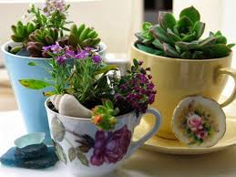 recycle art for home and patio decor planters pots recycled things